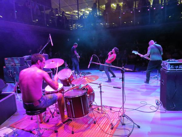 UZF - show Tuna
